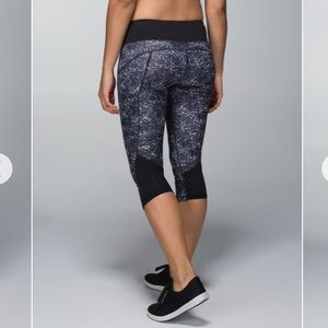 Lululemon Hop To It Crop *Full-On Luxtreme Rocky